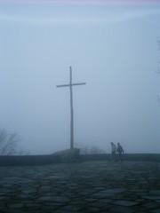 Croce nella nebbia