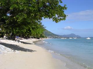 Mauritius 2 072