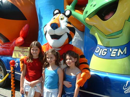 Tony & the Girls