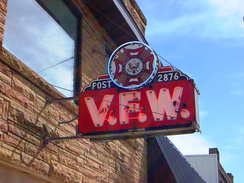 Villa Grove, IL VFW neon sign