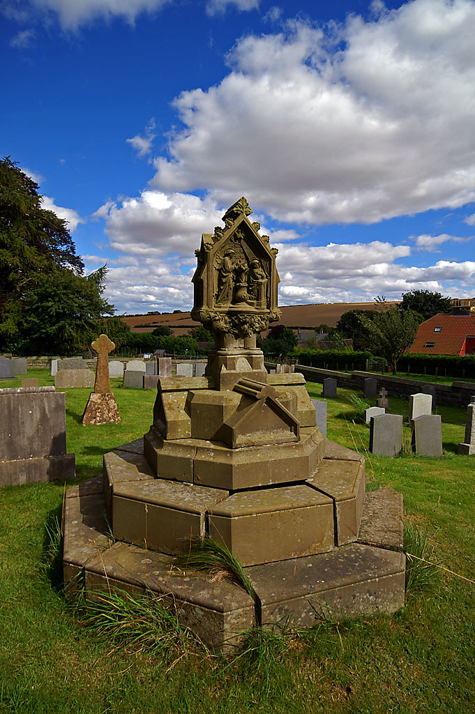Helperthorpe Churchyard | Helperthorpe is a peaceful village… | Flickr
