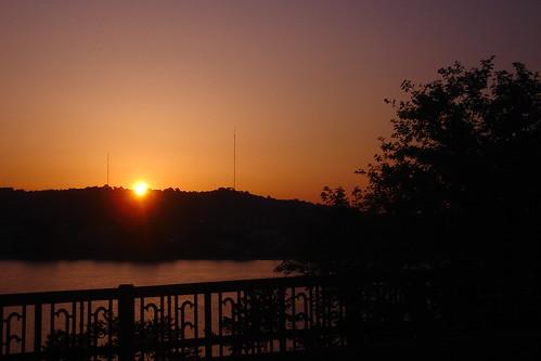sky sunrise fence river pittsburgh pennsylvania lensflare buswindow ohioriver esplen