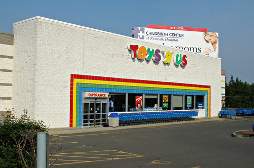Toys Quot Я Quot Us Norwalk Ct The Norwalk Store Opened In