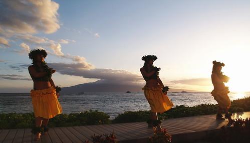 Hawaiian Luau   by commorancy