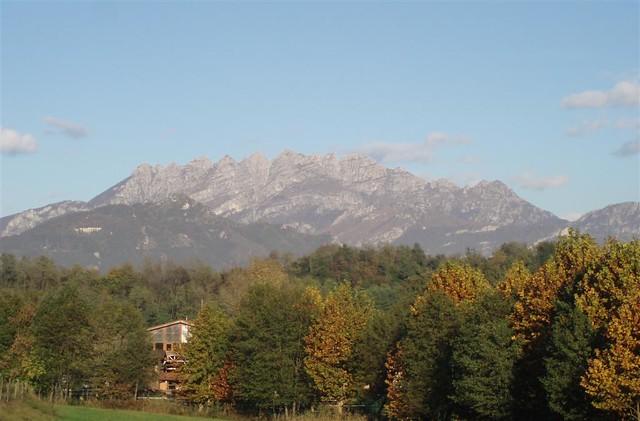 Italy, Lombardia, hiking around Bosisio Parini; Italia, Lombardia, passeggiata intorno a Bosisio Parini