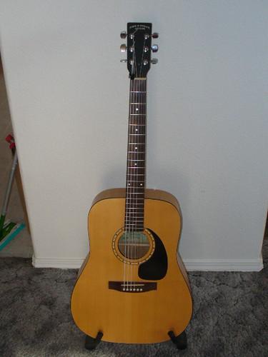 acoustic guitar | by chrispez