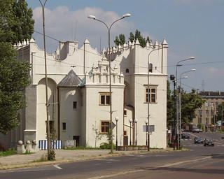 Zamek Kapituły Krakowskiej w Pabianicach | by MariuszR
