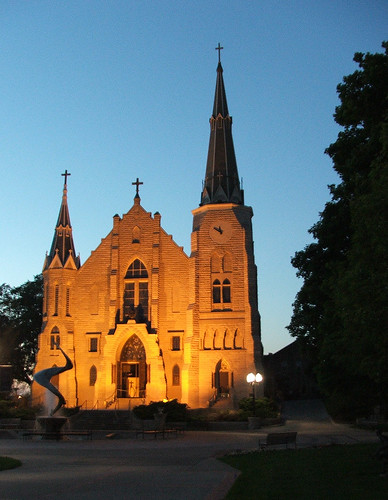trip light sunset church architecture nebraska cloudy omaha creighton creightonuniversity