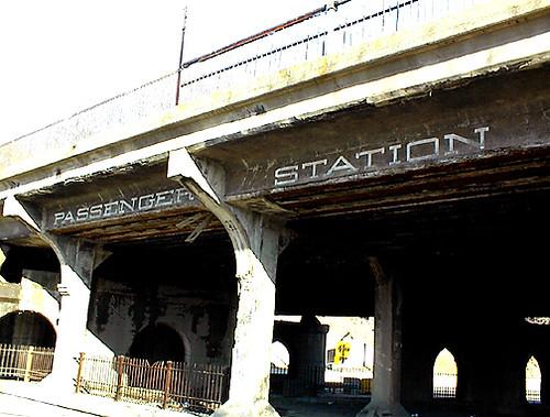 04-10-05-LVRR Passenger drop off S Third St. Easton-Z