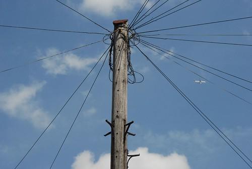 Colindale telephone pole / Palo telefonico a Colindale | by Luigi Rosa