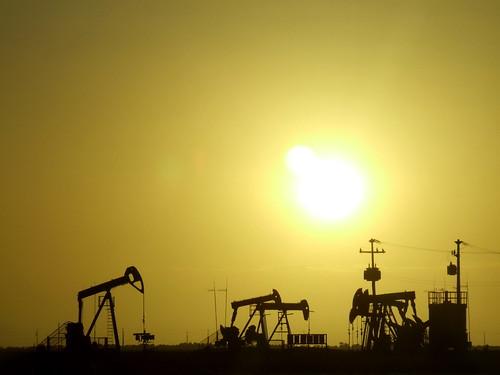 Sunset at Petroleum Field | by Fábio Pinheiro