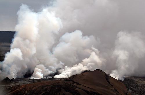 travel 20d canon volcano hawaii lava photo topv333 mt smoke mount helicopter photograph tropical ash bigisland kilauea magma canon80200f28l casch mountkilaueavolcano familygetty
