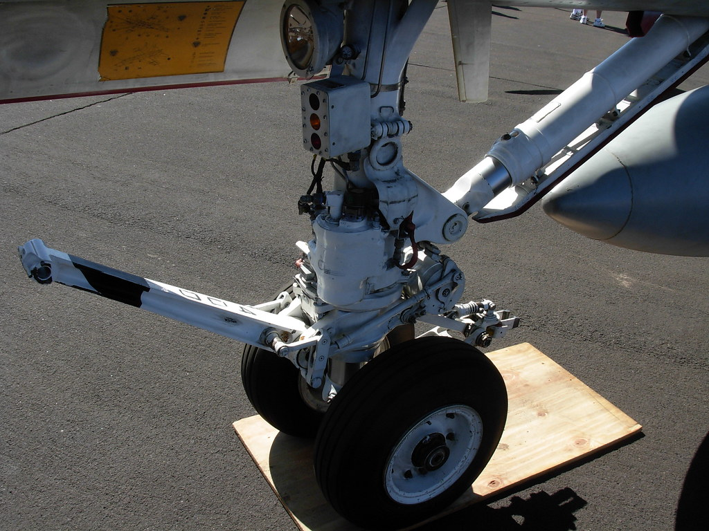 F18 Landing Gear