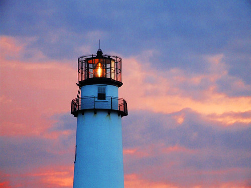 birthday sunset sky lighthouse beautiful evening lewesrat delaware grainy fenwickisland butthe itsabit wasreally