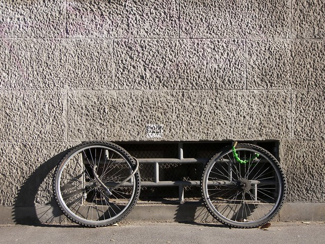 The Invisible Bike / La Bicicletta Invisibile