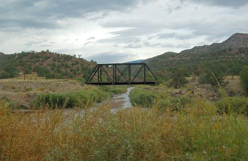 bridge train nikon scenery scenic rail d1x luxomni