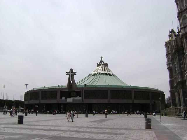 Nueva Basílica de Guadalupe, Ciudad de México/New Basilica of Guadalupe, Mexico City - www.meEncantaViajar.com