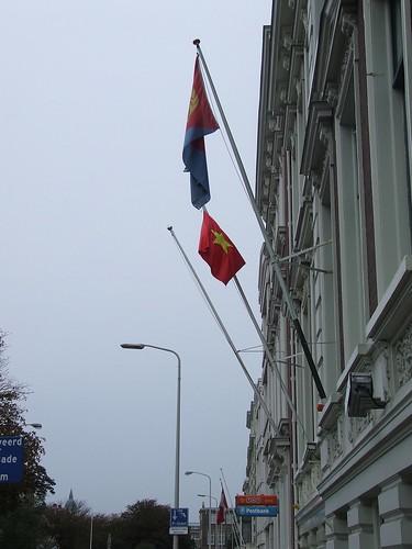 ambassades op het Nassauplein | by Gerard Stolk ( vers le debut duTour)