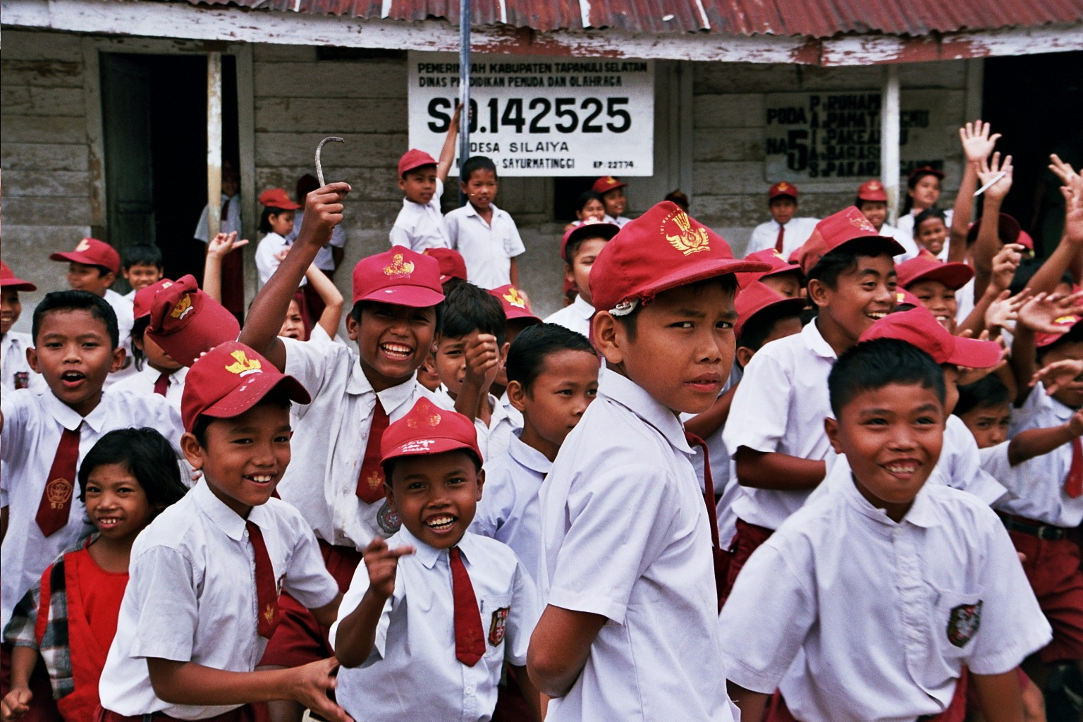 รัฐบาลกลางอินโดนีเซียออกข้อกำหนดให้โรงเรียนต้องอนุญาตนักเรียน-ครูเลือกแต่งกายได้เอง