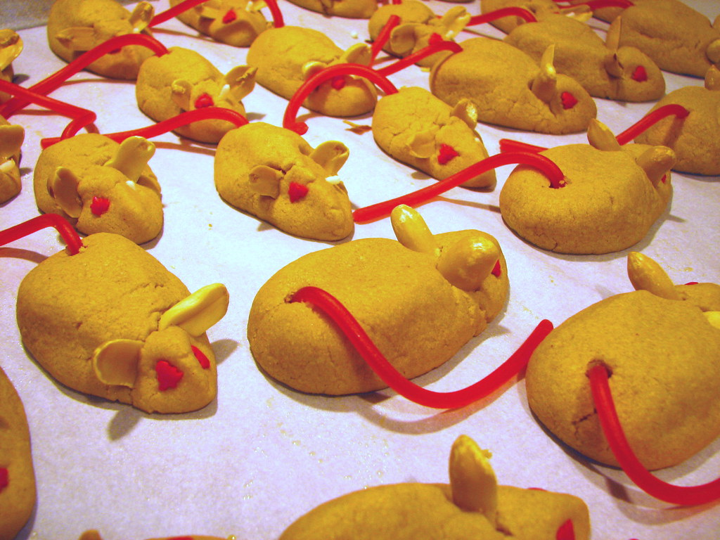 Peanut Butter Christmas Mice These Are A Real Attention Ca Flickr