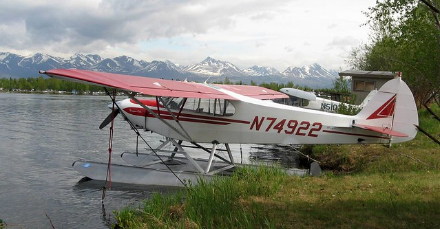 Floatplane on Lake Hood with the Chugach Mountains in the background