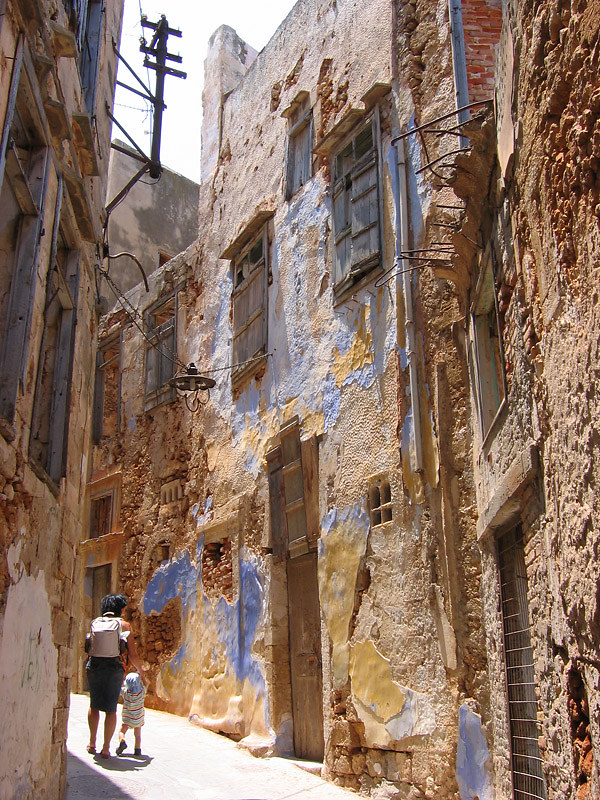 Alex and Nicola striving around an old quarter in the city of Hania, Crete