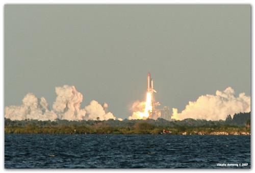 florida nasa liftoff titusville coolest shuttlelaunch canonef14xtc spaceviewpark spaceshuttleatlantis canonef70200mmf4lisusm missionsts117