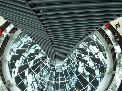 Reichstag Spiral (13/03/2006)