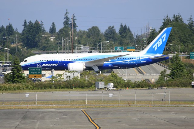 787 Dreamliner roll out