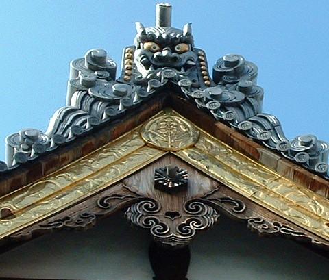 Dragon on Shrine   Dragon carving on shrine in Fukuoka ...