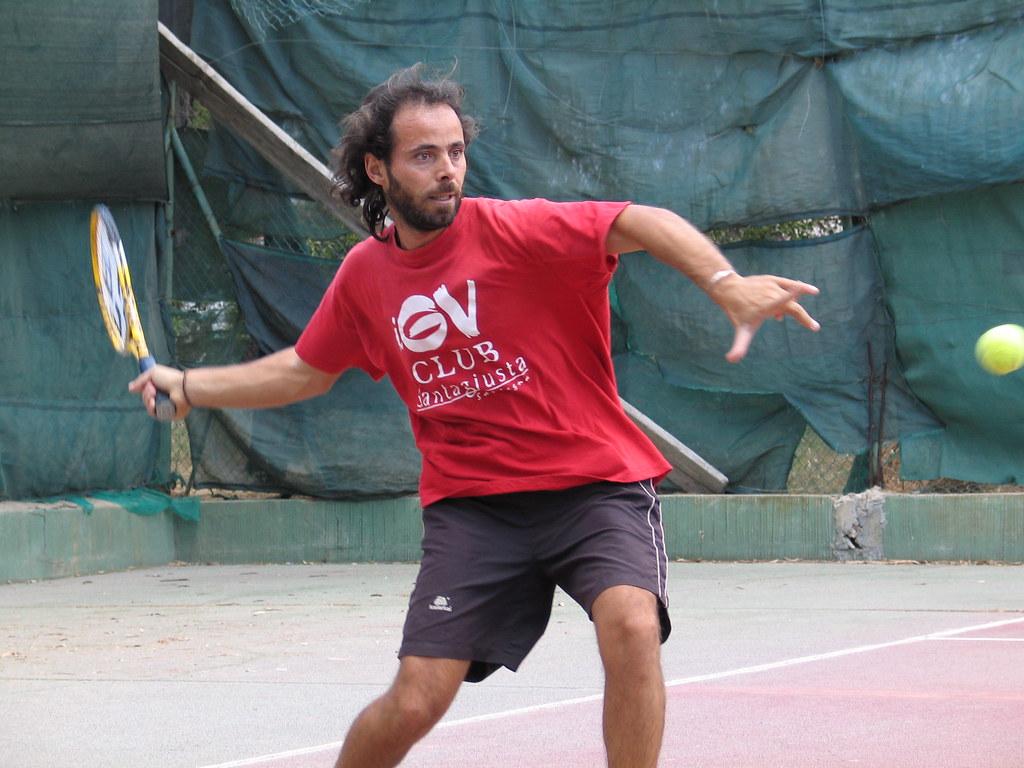 Emi tennis