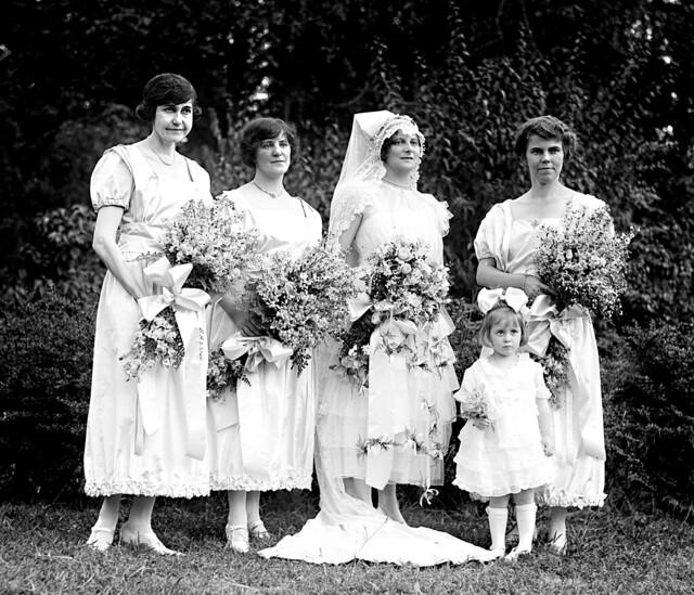 93b24d87af ... 1920s Wedding Dress