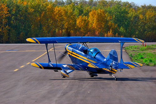 canada plane flying airport nikon aircraft flight airshow alberta 70300mm runway pilot vr pittsspecial s2s d80 colorphotoaward billcarter josephburg