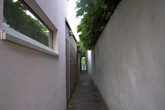 very narrow alley