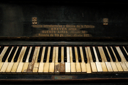 Old piano | by Vince Alongi