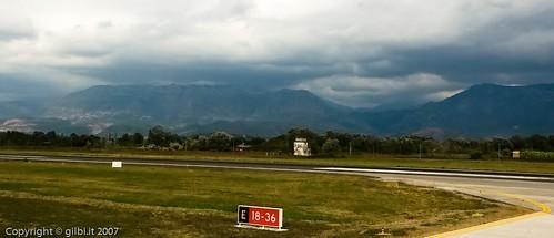 summer clouds tia geotagged airport nuvole estate aeroporto september albania settembre 2007 tirana md80 rinas shqiperi lati geo:lat=414226756348709 geo:lon=197179839990723