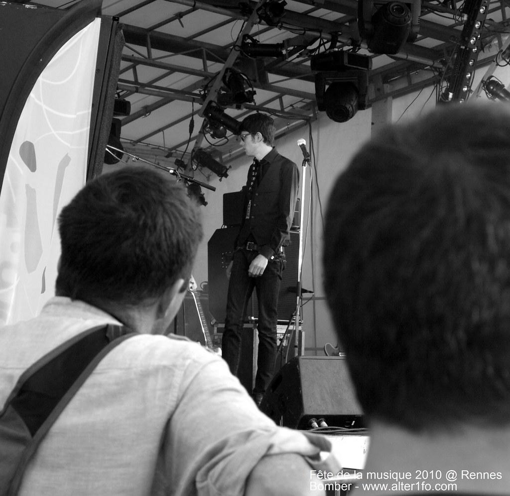 Wankin Noodle @ Fête de la musique Rennes charles de Gaule -bomber
