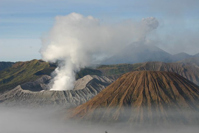 The volcanoes Batok, Bromo and Semeru (from front to back)...Fantastic!