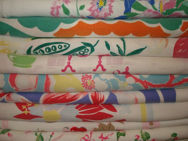Vintage Tablecloths Part Of My Linen Collection Suzanne