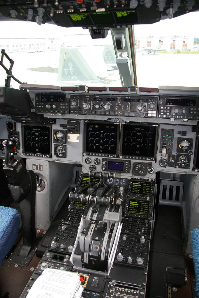 C-17 Cockpit & F-22 Raptors | Mississauga, Ontario, Canada T