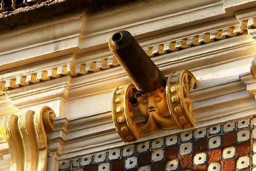 Edificio Arronte o Casa de los Cañones