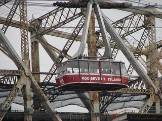 roosevelt island tram | by J Blough