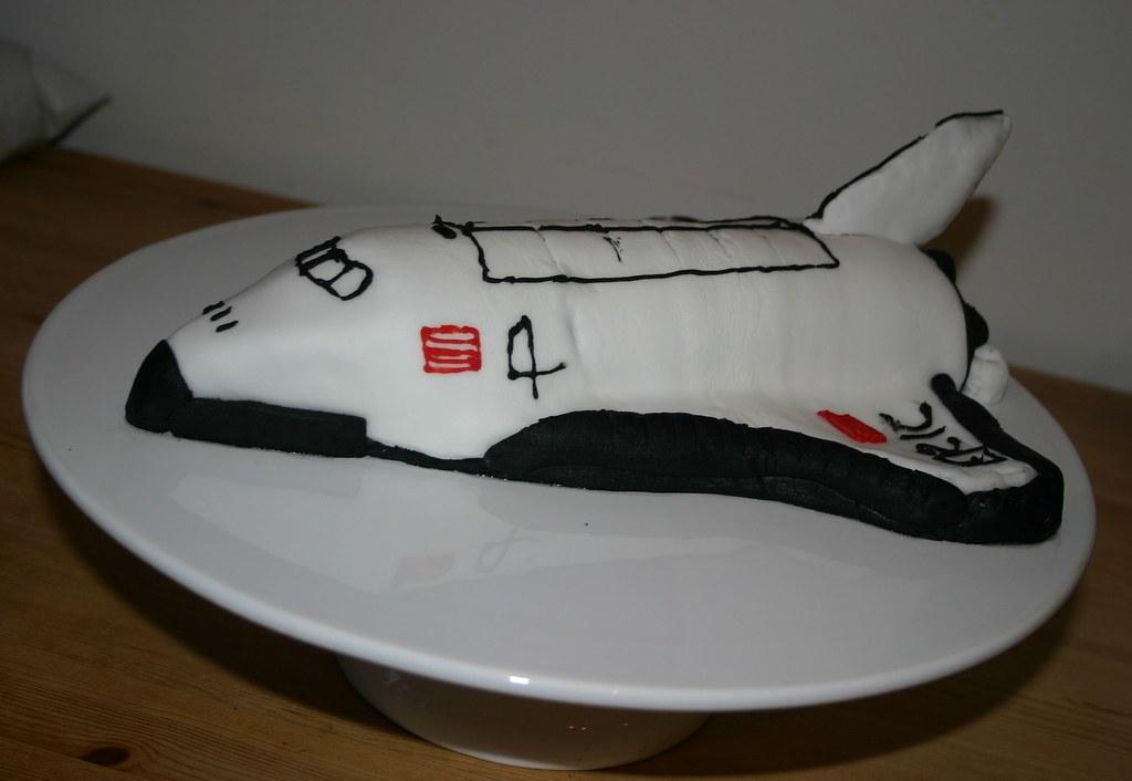 Phenomenal Space Shuttle Cake Space Shuttle 4Th Birthday Cake Sugarp Flickr Personalised Birthday Cards Vishlily Jamesorg