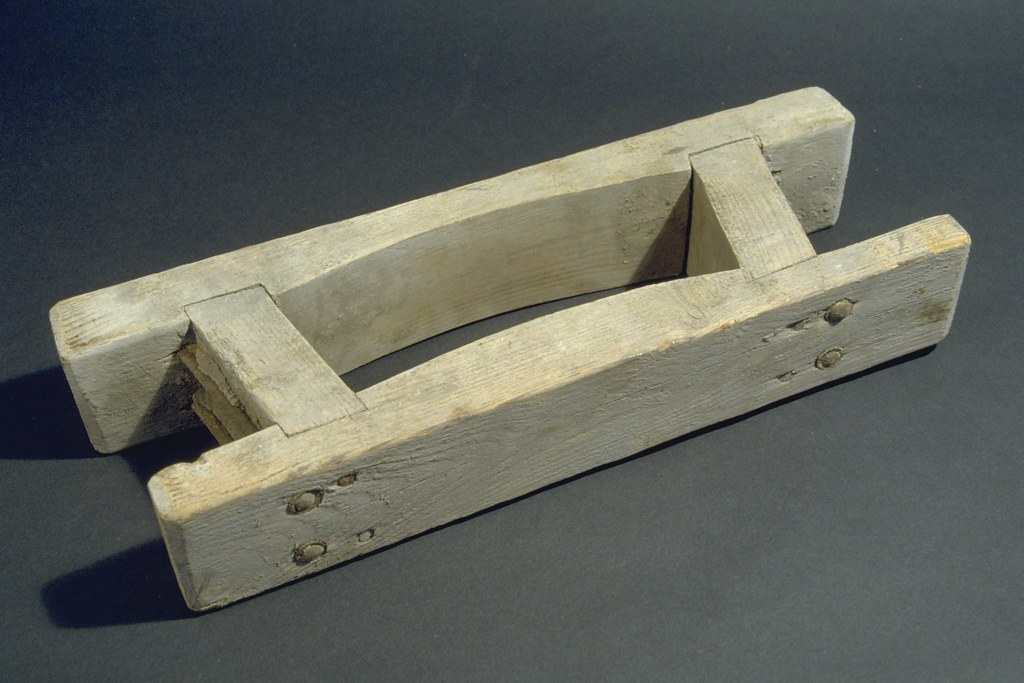 Wood Brick Mould Hand Crafted Curved Bricks Made From Fire Flickr