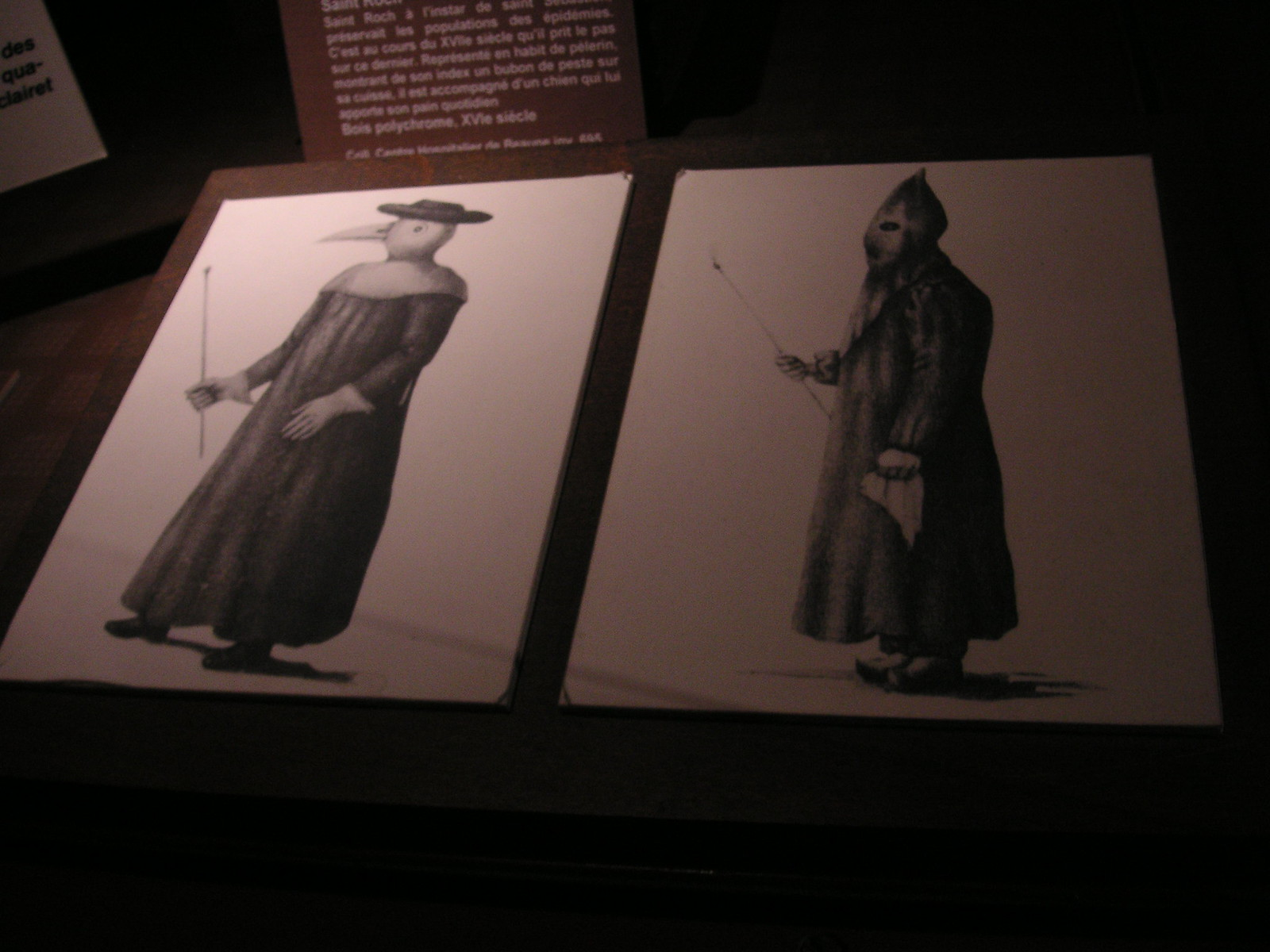 what doctors wore during the plague era