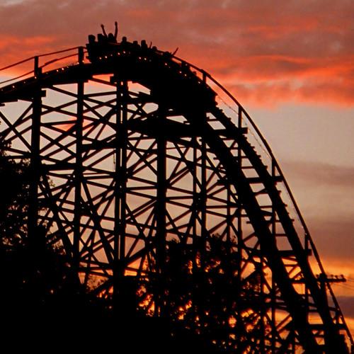 sunset silhouette amusementpark americana rollercoaster thrillride joyrides lesourdsvillelake geotaggedohio screechineagle