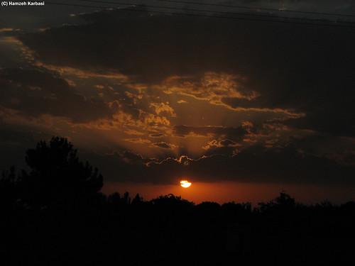 lighting sunset sky cloud sun tree gloomy iran cloudy ایران esfahan نور isfahan اصفهان درخت آباد غروب ابر najafabad آسمان hamzeh karbasi نجف خورشید حمزه تاریک کرباسی lighti ابری اشعه محزون
