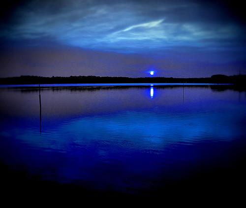 blue light sunset summer sun lake black reflection clouds nc twilight glow north dramatic raleigh carolina heavens crabtree chrysti blueribbonwinner abigfave platinumphoto superaplus aplusphoto superbmasterpiece flickrdiamond superhearts ysplix flickrelite sotpictureoftheweek