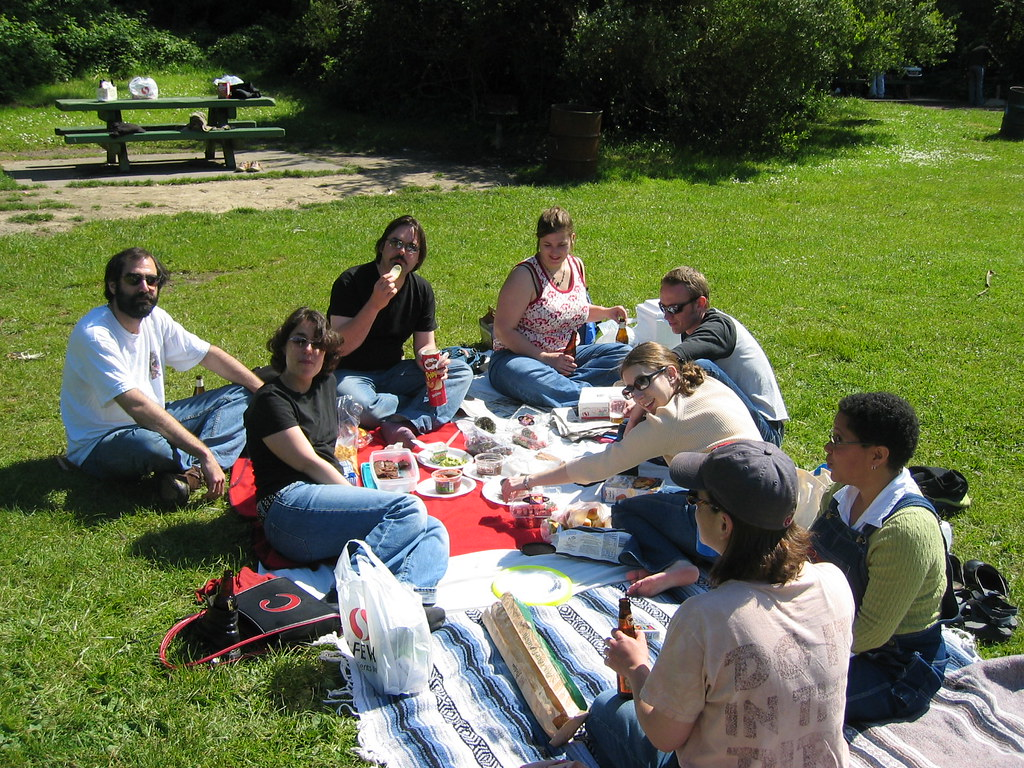 Picnic in Golden Gate Park | I love Alicia's (on the right) ? | Flickr