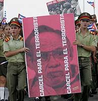 Cubanos se manifiestan contra Carriles